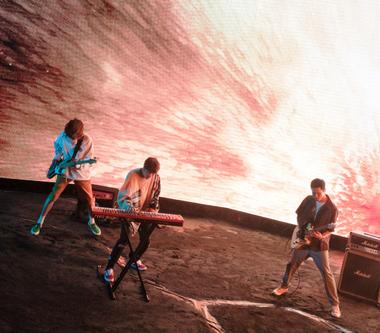 宇宙人首次登陸台北小巨蛋 同名主題曲〈你的宇宙〉MV狂做10版本!