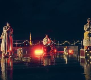 浪漫破表!告五人耶誕登東京天台 直播高唱〈帶我去找夜生活〉