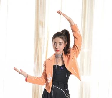 丁噹湖南衛視、浙江衛視雙台跨年  攜手「姐姐團」齊炸場與60位舞者熱歌勁舞!