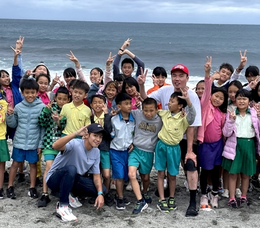 陳布朗 ✕ 鼓鼓呂思緯拾回最純粹的快樂〈去當一個海邊長大的孩子吧〉激發童心